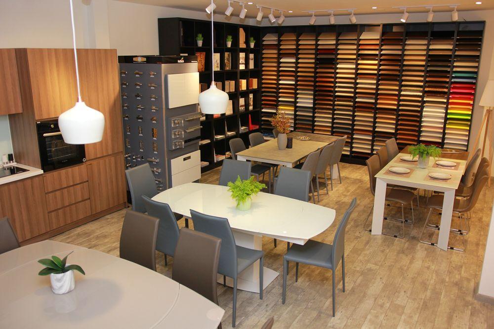IMG 1542 - 5 lý do nên ghé thăm một Showroom gỗ