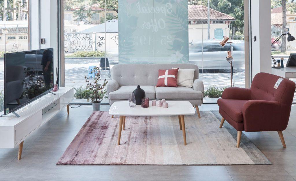 3E0A2707 min 1024x627 - Cách Làm Sạch Sofa Nhung Với Những Bước Cực Đơn Giản