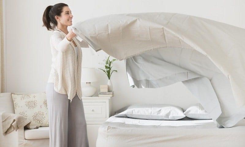 ve sinh giuong nem 4 min - Cách Giặt Nệm Cao Su Sạch Sẽ Mới Tinh Như Vừa Mới Mua